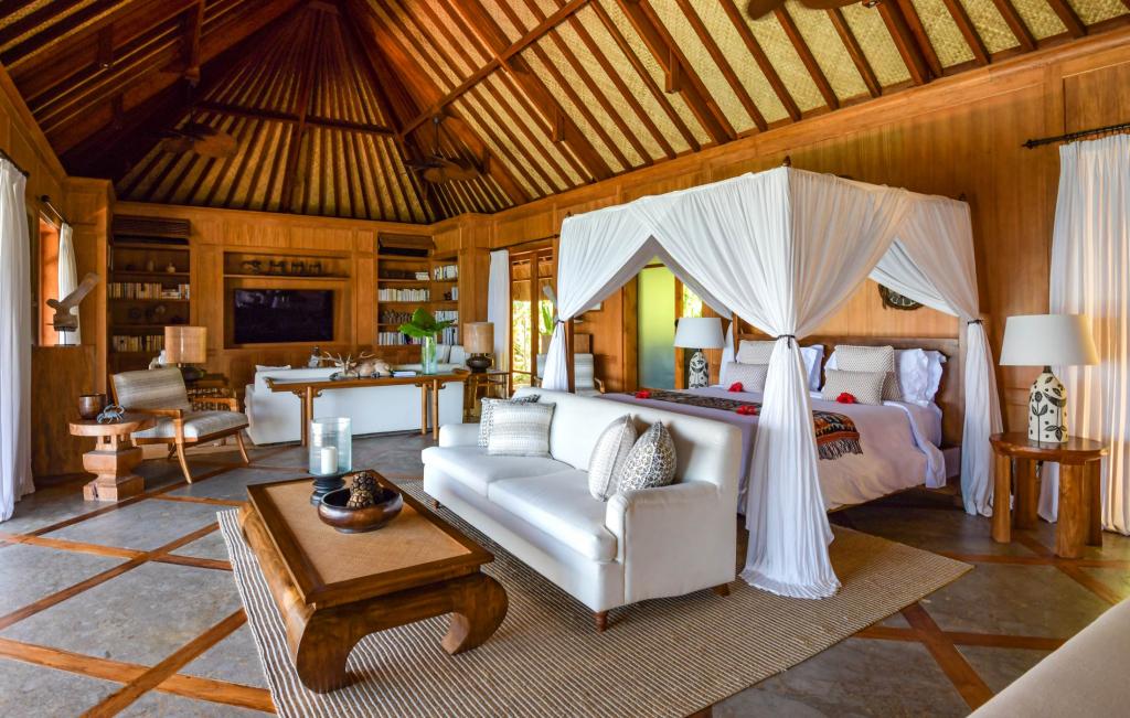 Raja Mandaka - Second Bedroom and Library